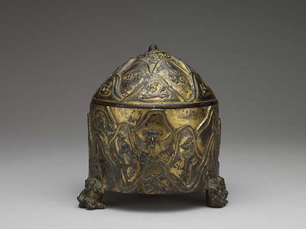 铜鎏金山纹兽足樽