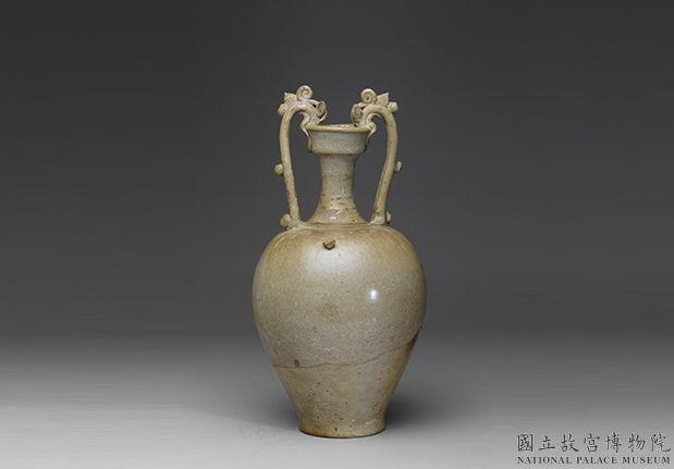 唐白瓷双龙耳瓶