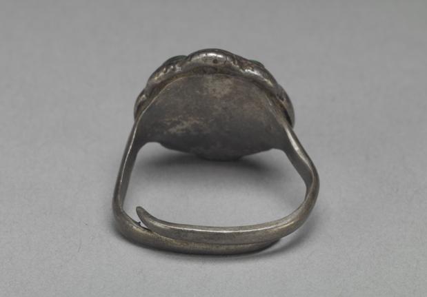 银嵌珊瑚松石戒指 清乾隆