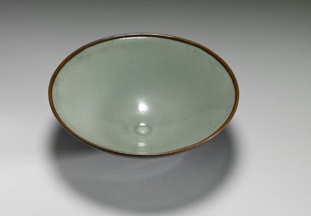 宋-元龙泉窑青瓷撇口盏