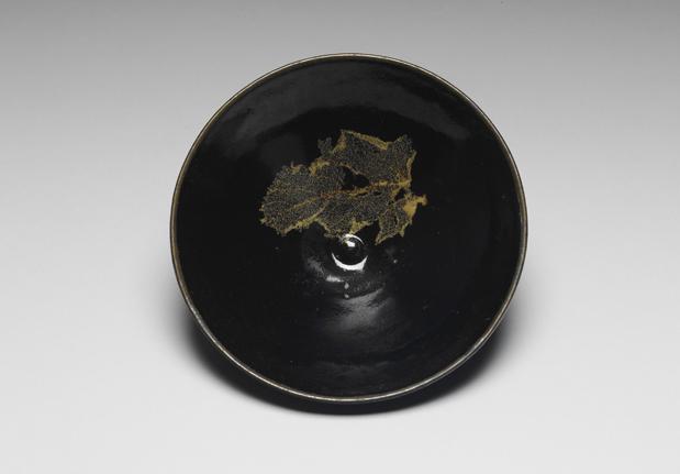 南宋吉州窑黑釉木叶纹茶盏