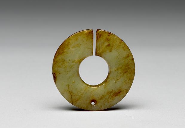 新石器时代晚期耳饰玦