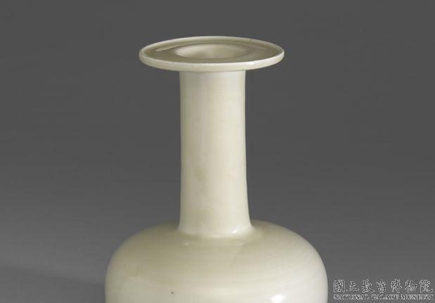 北宋~金十二世纪定窑盘口纸槌瓶