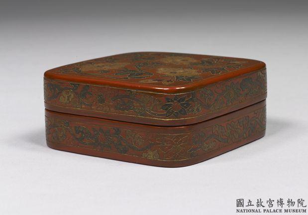 明十六世纪宣德款填漆秋葵方盒